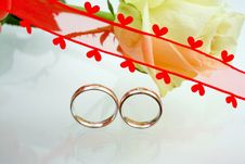 Free Wedding Rings Royalty Free Stock Photo - 5353645