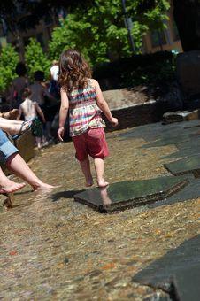 Free Girl Playing Royalty Free Stock Image - 5354156