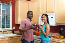African American Couple With Wine Glasses-Horiz Royalty Free Stock Photos