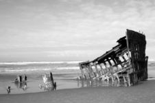 Free Oregon Shipwreck Royalty Free Stock Photo - 5356275