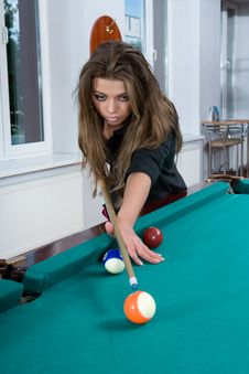 Free Girl In Short Skirt Playing Snooker Stock Images - 5360974