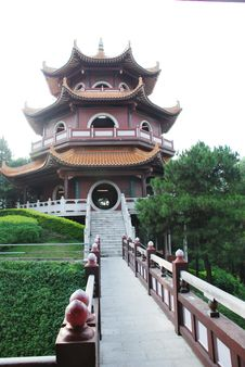 Free An Ancient Chinese Tower Royalty Free Stock Images - 5361829