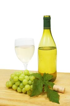 Free White Wine And Grapes Royalty Free Stock Photos - 5365098