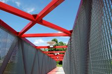 Free Modern Red Bridge Stock Photos - 5366353