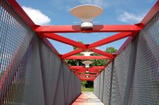 Free Modern Red Bridge In Vilnius Royalty Free Stock Images - 5366479