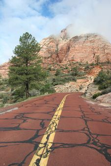 Free Red Road Of The Zion Royalty Free Stock Image - 5367456