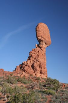 Free Balanced Rock Royalty Free Stock Photography - 5367547