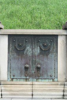 Free Old Door Royalty Free Stock Photos - 5370578