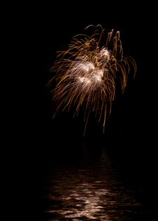 Free Fireworks Reflecting In Water Royalty Free Stock Photography - 5372367