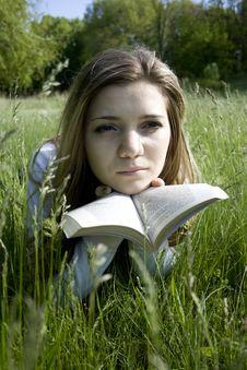Free Reading Royalty Free Stock Photo - 5372515