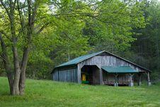 Free Barn Field Tree Royalty Free Stock Photography - 5376207