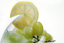 Free Frozen Grapes And Lemon Slice Royalty Free Stock Images - 5379089