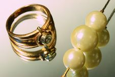 Free Gold Ring And Pearls Stock Image - 5386621