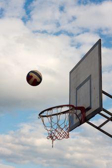 Free Basketball Hoop Against The Cloudy Sky Stock Photos - 5389633
