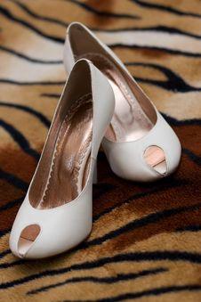 Free White Female Shoes Royalty Free Stock Photo - 5389815