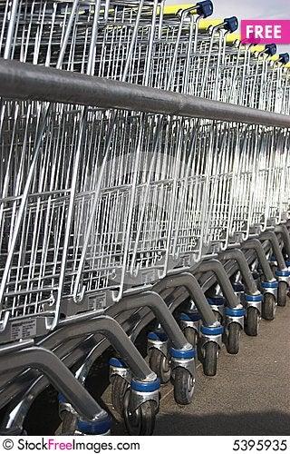 Free Shopping Carts Royalty Free Stock Photo - 5395935