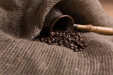 Free Cezve With Freshly Roasted Coffee Beans Stock Image - 5391911
