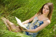Free Romantic Girl With Book Stock Images - 5395404