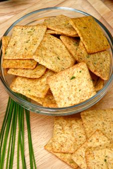 Free Sour Cream And Chive Flavored Crackers Royalty Free Stock Photography - 5397637