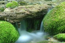 Free Small Waterfall Royalty Free Stock Images - 5399949