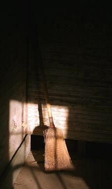 Free Vintage Broom Stock Photos - 540633