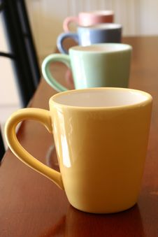 Free Multi-Coloured Mugs Royalty Free Stock Image - 547846