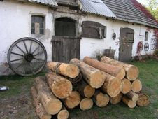 Free Wood At The Farm Royalty Free Stock Images - 548349