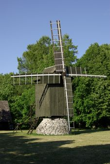 Free Wooden Windmill Stock Image - 5401991