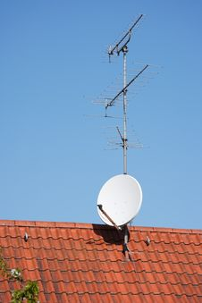 Free Satellite Dish Stock Photos - 5406243