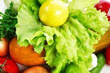 Free Lemon On A Lettuce Stock Photography - 5413872