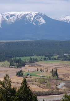 Free Mountains And Meadows Royalty Free Stock Photography - 5414307