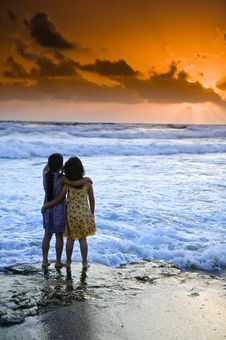 Free Girls Beach Sunset Royalty Free Stock Images - 5414539