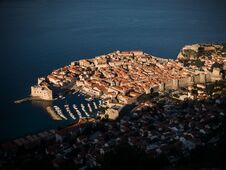 Free Sunrise Over Old Town Dubrovnik Royalty Free Stock Images - 54153039
