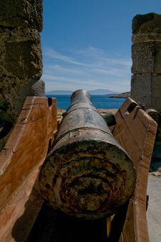 Free Cannon Stock Photography - 5420132