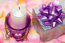 Free Violet Candle With Heart Royalty Free Stock Images - 5423159