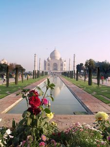Free Taj Mahal Royalty Free Stock Photography - 5427877