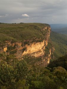 Free Blue Mountains Sandstone Crag Royalty Free Stock Photos - 5430698