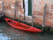 Free Red Boat In Venice Royalty Free Stock Photo - 5430865