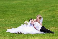 Free Rest Of Newly-married Couple Royalty Free Stock Photos - 5437098