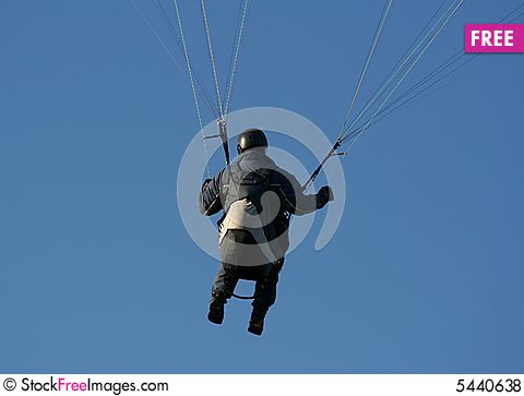 Free Paraglider In Action Royalty Free Stock Photos - 5440638