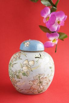 Free Jug And Orchids Royalty Free Stock Photos - 5440908