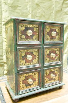 Free Antique Drawer Set. Stock Photo - 5441070