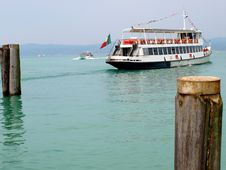 Free Ferry-boat Is Leaving The Port Royalty Free Stock Photos - 5441168