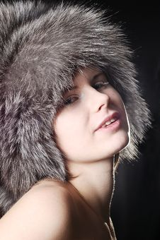 Free Smiling Girl Wearing A Fur Winter Hat Stock Images - 5441524