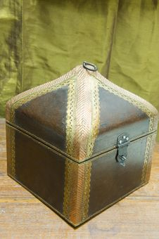 Free Renovated Antique Jewelery Box Stock Photography - 5441562