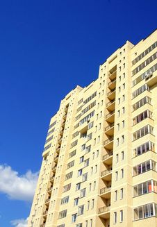 Free Residential Multi-storey Building Royalty Free Stock Photography - 5442977