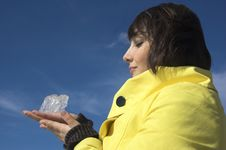 Free The Girl With An Ice Stock Photos - 5443333