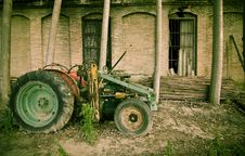Free Old Tractor Stock Image - 5445301