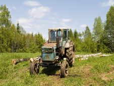 Free Tractor Royalty Free Stock Images - 5445819