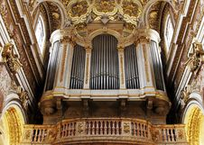 Free Golden Church Pipe Organ Royalty Free Stock Image - 5446526